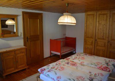 DSC_0049 evtl, mit Kinderbett